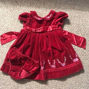 In EUC red Christmas baby girl dress size 18m